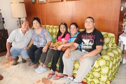 My parents w/ Edu, Tita Yoly (Edu's mom) and Angel (Edu's niece).